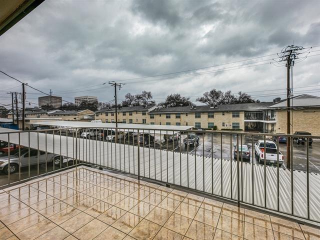 2 Bedrooms, Williamsburg One Condominiums Rental in Dallas for $1,750 - Photo 2