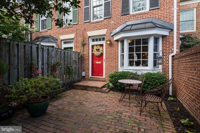 2 Bedrooms, Manchester Condominiums Rental in Washington, DC for $3,100 - Photo 1