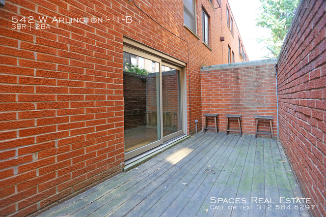 3 Bedrooms, Park West Rental in Chicago, IL for $3,650 - Photo 2