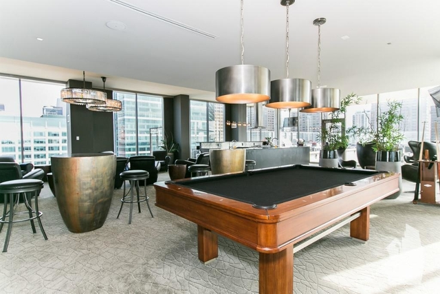 2 Bedrooms, West Loop Rental in Chicago, IL for $3,588 - Photo 2
