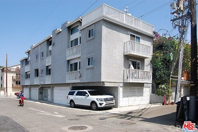 2 Bedrooms, Venice Beach Rental in Los Angeles, CA for $3,200 - Photo 2