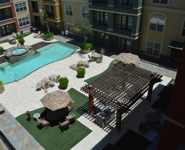 2 Bedrooms, The Valencia Condominiums Rental in Houston for $1,900 - Photo 2