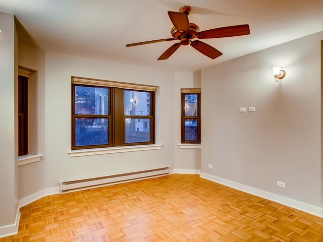 2 Bedrooms, Gold Coast Rental in Chicago, IL for $2,015 - Photo 2