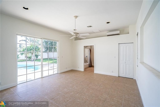 4 Bedrooms, Imperial Point Rental in Miami, FL for $3,200 - Photo 1