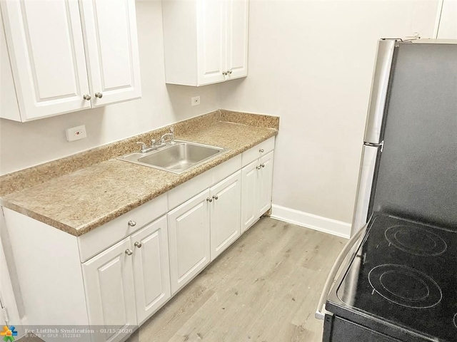 4 Bedrooms, South Middle River Rental in Miami, FL for $1,950 - Photo 1
