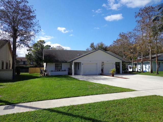 3 Bedrooms, Sugar Pond Manor of Wellington Rental in Miami, FL for $2,000 - Photo 1