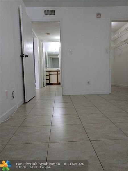1 Bedroom, Ramblewood South Rental in Miami, FL for $1,250 - Photo 1