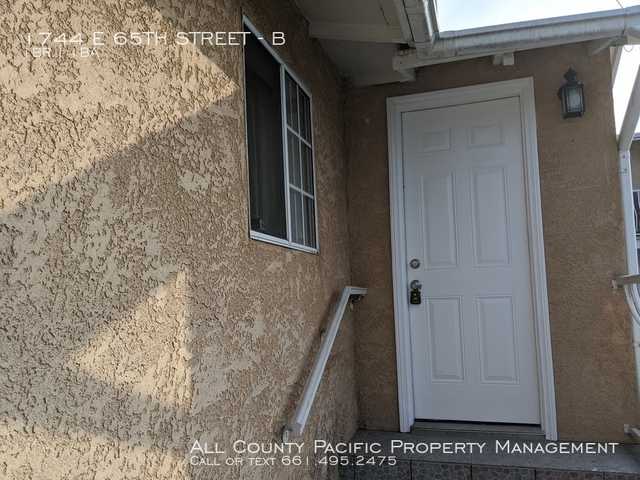 1 Bedroom, Florence-Graham Rental in Los Angeles, CA for $1,350 - Photo 2