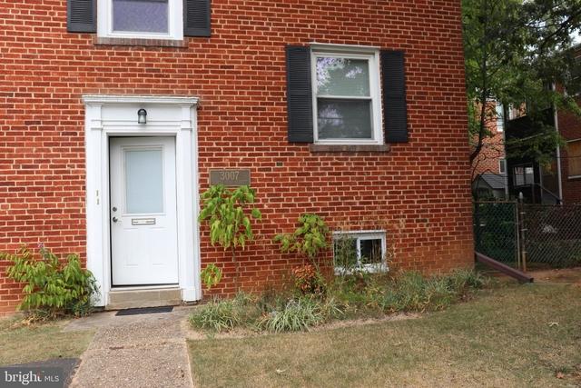 1 Bedroom, Lyon Park Rental in Washington, DC for $975 - Photo 1