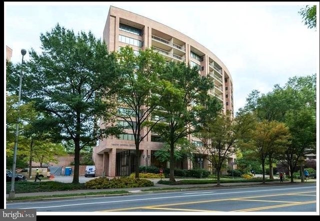 1 Bedroom, Crystal City Shops Rental in Washington, DC for $1,895 - Photo 2