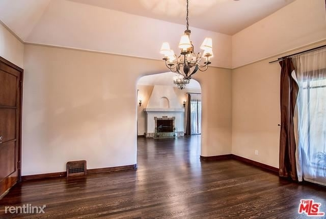 2 Bedrooms, Mid-City West Rental in Los Angeles, CA for $7,995 - Photo 2