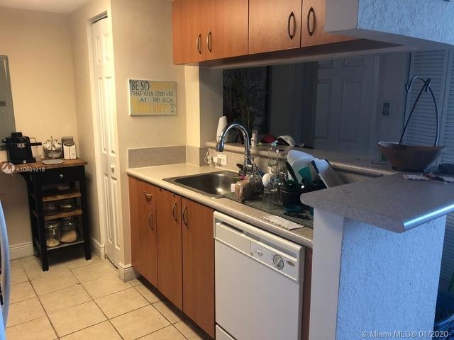 1 Bedroom, Spring Garden Corr Rental in Miami, FL for $1,400 - Photo 2