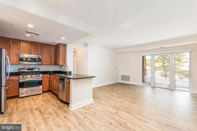 2 Bedrooms, Monarch Condominiums Rental in Washington, DC for $3,250 - Photo 2