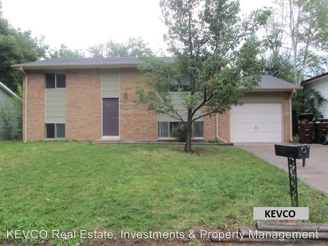 4 Bedrooms, Rogers Park Rental in Fort Collins, CO for $2,100 - Photo 1