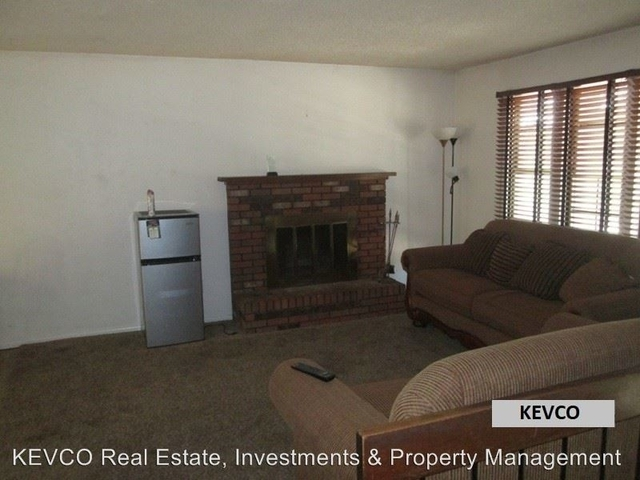 4 Bedrooms, P.O.E.T Rental in Fort Collins, CO for $2,100 - Photo 2