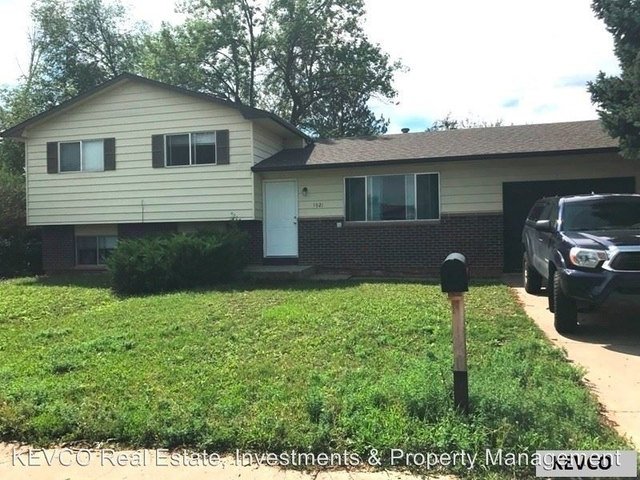4 Bedrooms, Orchard Rental in Fort Collins, CO for $2,150 - Photo 1