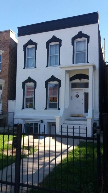 3 Bedrooms, Tri-Taylor Rental in Chicago, IL for $1,250 - Photo 1