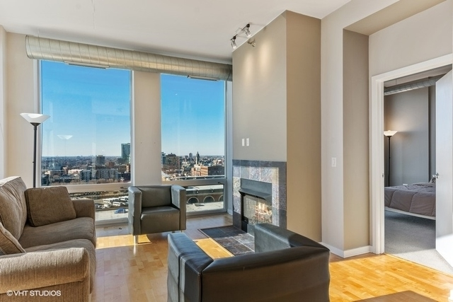 2 Bedrooms, River North Rental in Chicago, IL for $3,300 - Photo 2