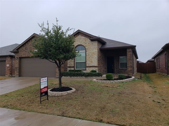 3 Bedrooms, Tarrant County Rental in Dallas for $1,875 - Photo 1