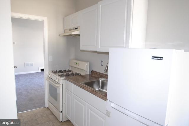 1 Bedroom, Burlington Rental in Philadelphia, PA for $1,100 - Photo 2