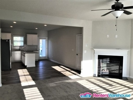 4 Bedrooms, College Park Rental in Atlanta, GA for $1,900 - Photo 2