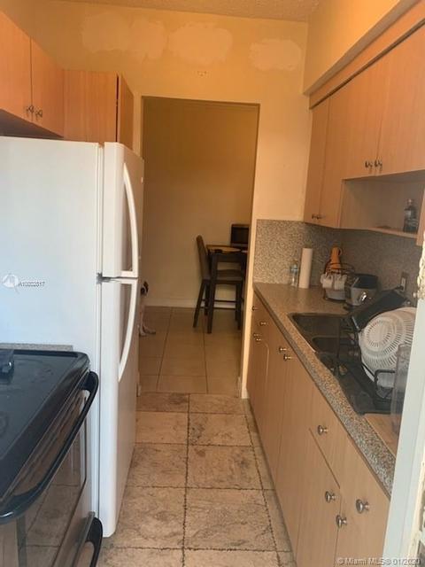 1 Bedroom, Beach Bay Rental in Miami, FL for $1,195 - Photo 2