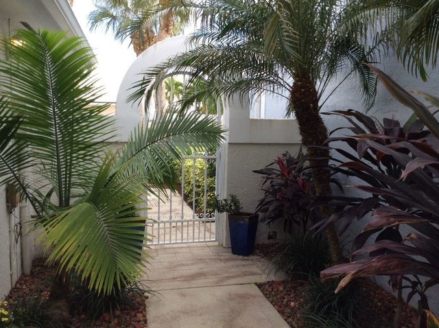 3 Bedrooms, Barclay Club Rental in Miami, FL for $2,700 - Photo 2