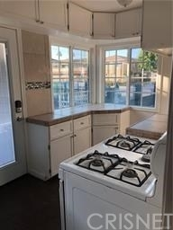 2 Bedrooms, Inglewood Rental in Los Angeles, CA for $2,200 - Photo 2