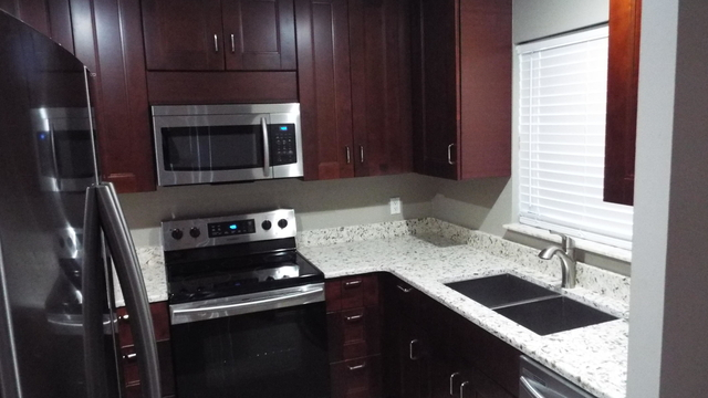 2 Bedrooms, Jupiter Lakes Townhomes Rental in Miami, FL for $1,750 - Photo 2