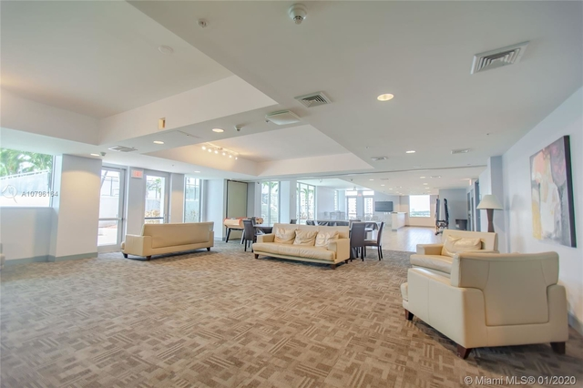 3 Bedrooms, Treasure Island Rental in Miami, FL for $3,000 - Photo 2