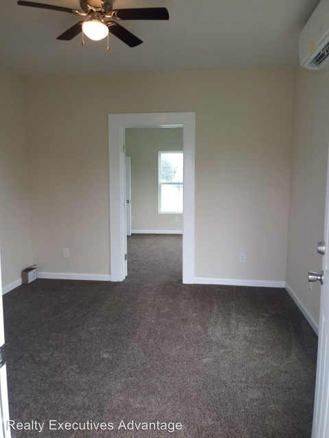 2 Bedrooms, Bayou Shore Rental in Houston for $975 - Photo 2