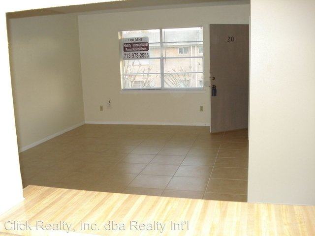 2 Bedrooms, Shadowdale Townhome Condominiums Rental in Houston for $1,050 - Photo 2