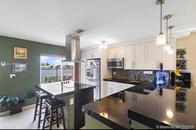 4 Bedrooms, Lago Grande Rental in Miami, FL for $2,200 - Photo 1