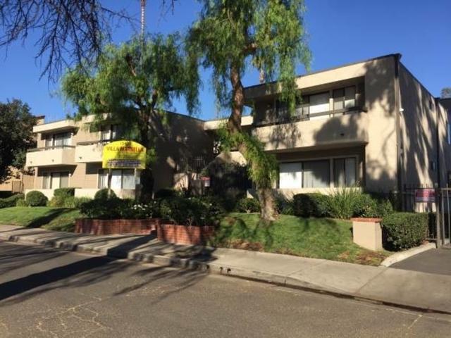 2 Bedrooms, Van Nuys Rental in Los Angeles, CA for $2,025 - Photo 2