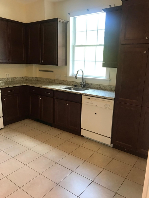 4 Bedrooms, Newtonville Rental in Boston, MA for $3,800 - Photo 2