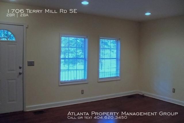 2 Bedrooms, East Lake Rental in Atlanta, GA for $1,200 - Photo 2