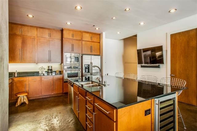1 Bedroom, Bryan Street Lofts Rental in Dallas for $2,900 - Photo 2
