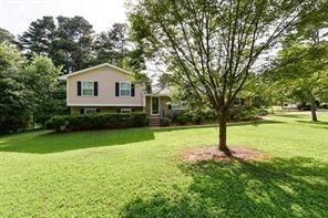 4 Bedrooms, Bradley Acres Rental in Atlanta, GA for $1,550 - Photo 2