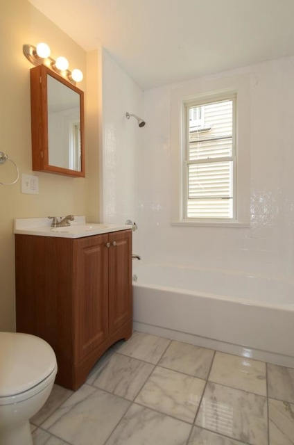 5 Bedrooms, East Somerville Rental in Boston, MA for $4,100 - Photo 2