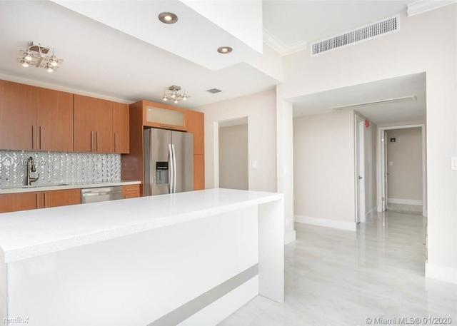 2 Bedrooms, Golden Shores Ocean Boulevard Estates Rental in Miami, FL for $2,700 - Photo 2