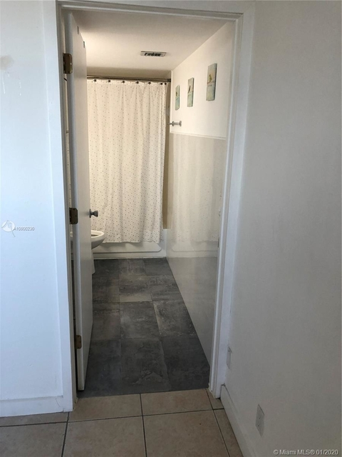 3 Bedrooms, East Little Havana Rental in Miami, FL for $1,750 - Photo 2
