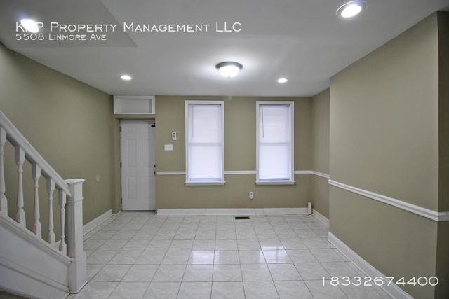 2 Bedrooms, Kingsessing Rental in Philadelphia, PA for $1,100 - Photo 2