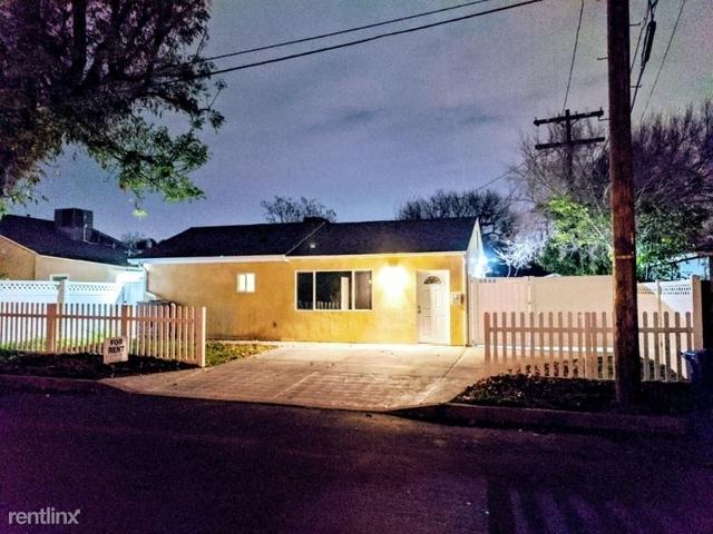 2 Bedrooms, Van Nuys Rental in Los Angeles, CA for $2,850 - Photo 1