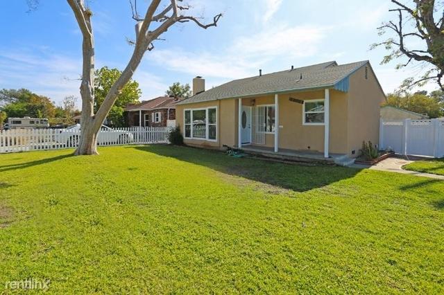 4 Bedrooms, Van Nuys Rental in Los Angeles, CA for $3,600 - Photo 2