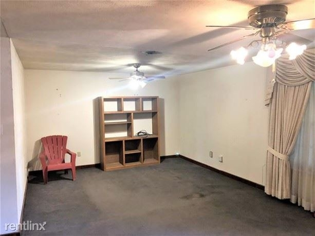 3 Bedrooms, Arlington Rental in Dallas for $1,560 - Photo 2