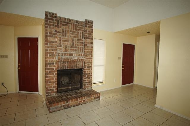 3 Bedrooms, Summer Place Townhomes Rental in Dallas for $1,350 - Photo 2