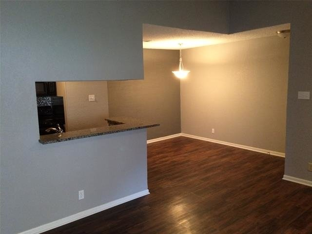 1 Bedroom, The Cloisters Condominiums Rental in Dallas for $900 - Photo 2
