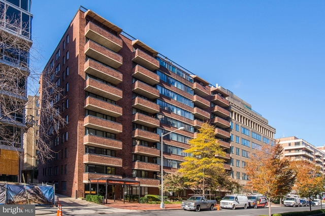 1 Bedroom, West End Rental in Washington, DC for $2,000 - Photo 1
