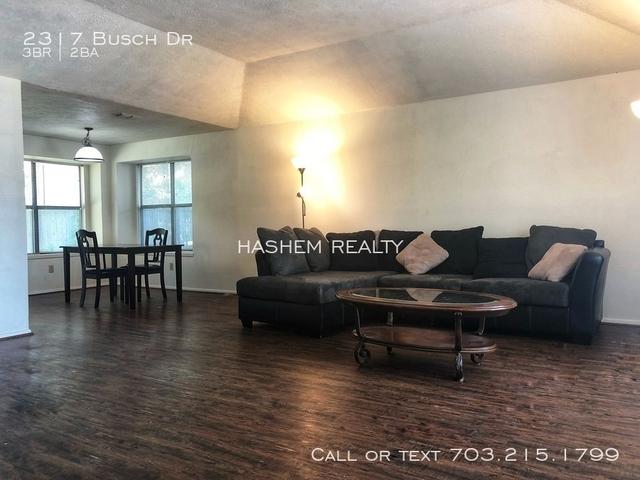 3 Bedrooms, Springridge Rental in Dallas for $1,300 - Photo 2