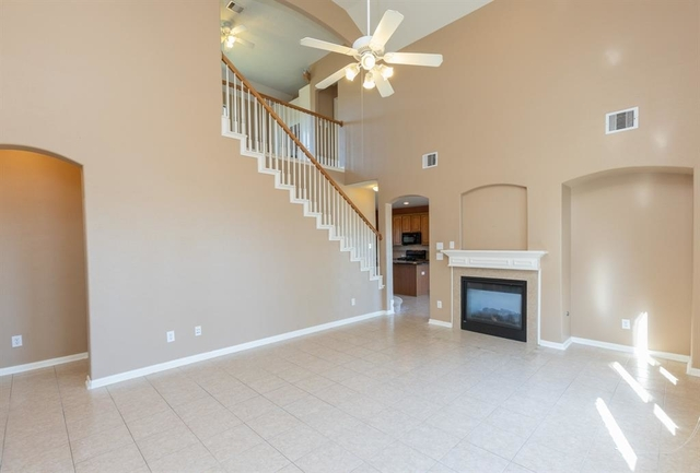 3 Bedrooms, Eagle Springs Rental in Houston for $1,750 - Photo 2